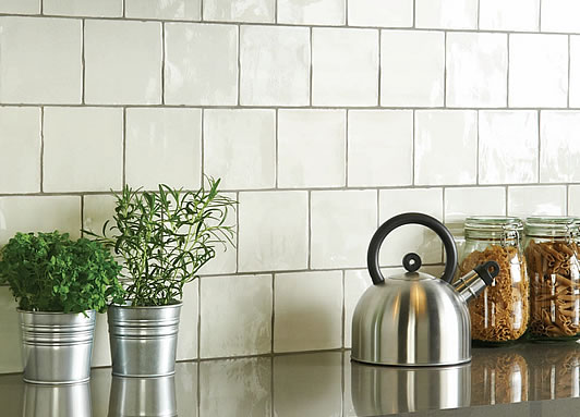 Porcelain Field Tiles With Porcelain Torus Mouldings