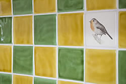 Garden Birds - Robin with Winchester Classic Honey & Lime Green